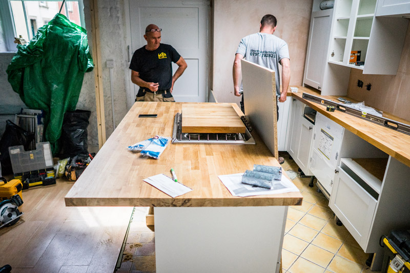 Choosing The Right Kitchen Fitter